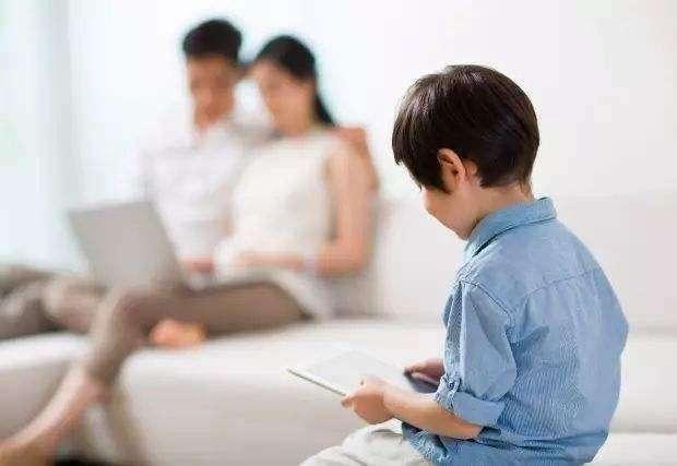 《你家孩子迷上手机,怎么破?》